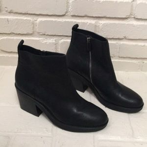 Eileen Fisher black smooth leather bluff booties